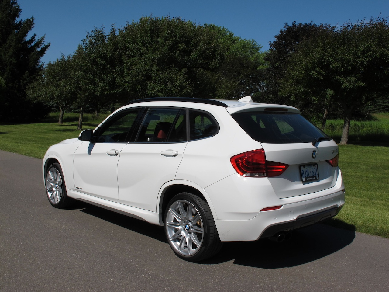 canadian auto review 2013 bmw x1 35i msport review. Black Bedroom Furniture Sets. Home Design Ideas