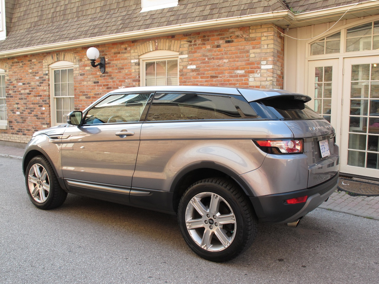 canadian auto review 2013 range rover evoque coupe. Black Bedroom Furniture Sets. Home Design Ideas