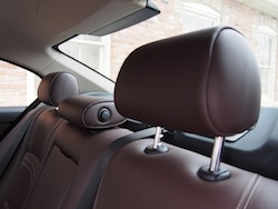 2014 寶馬 BMW 535d xDrive Metallic White rear seat headrests