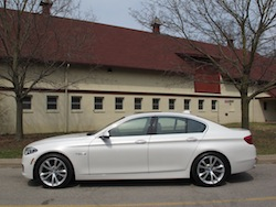 2014 寶馬 BMW 535d xDrive Metallic White side view