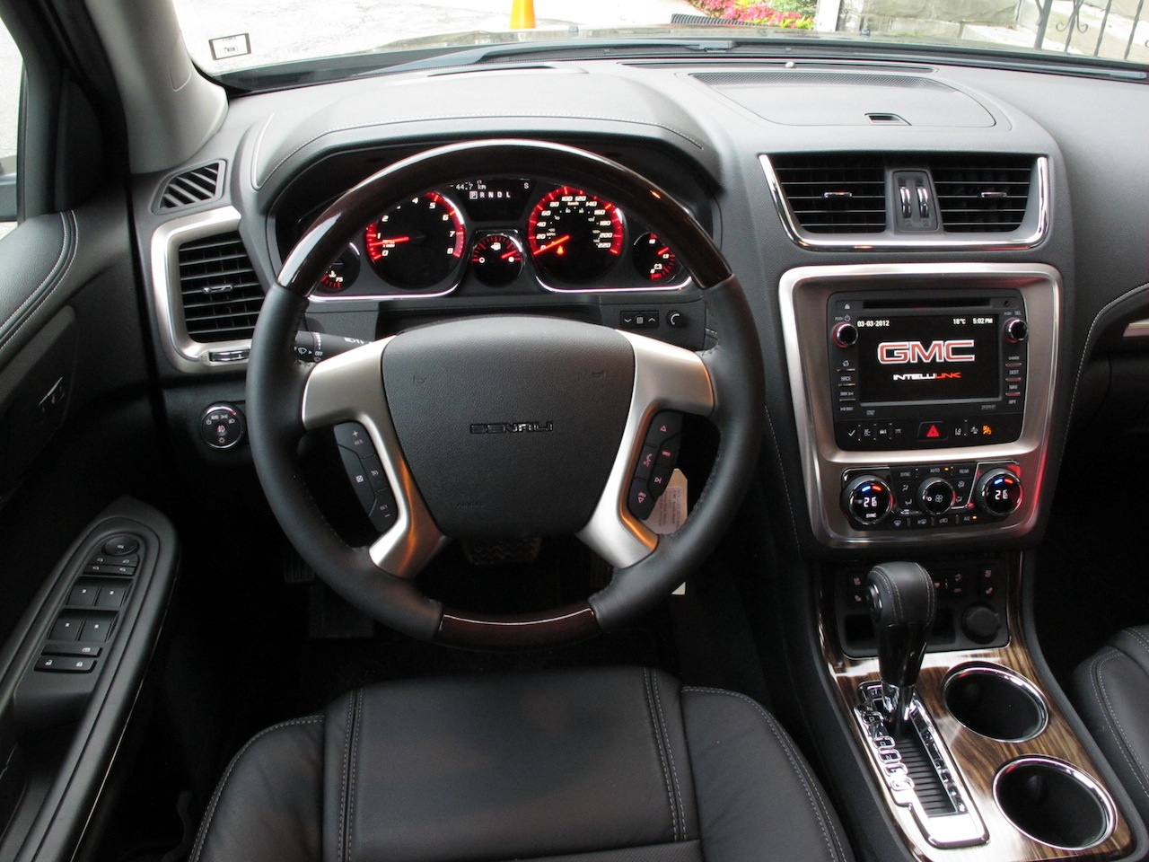 canadian auto review 2014 gmc acadia denali photos. Black Bedroom Furniture Sets. Home Design Ideas