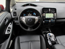 2015 Nissan Leaf Red interior