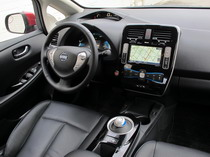 2015 Nissan Leaf Red dashboard