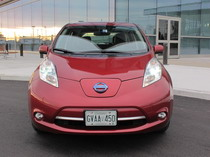 2015 Nissan Leaf Red front grill headlights