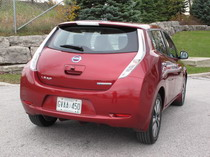2015 Nissan Leaf Red