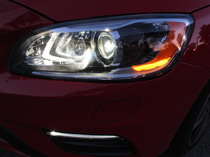 2015 Volvo V60 T6 R-Design headlights