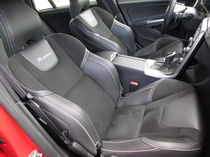 2015 Volvo V60 T6 R-Design seats2